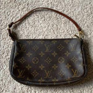 Louis Vuitton Pouchette Accessoires